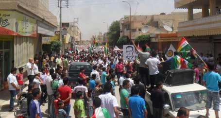 Suriyeli Kürtlerin kararlarına saygı duyulmalı