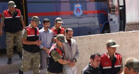 15 Kürt siyasetçisine 130 yıl hapis cezası