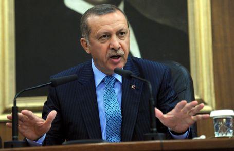 Erdoğan: Diktatör değilim haddinizi bilin