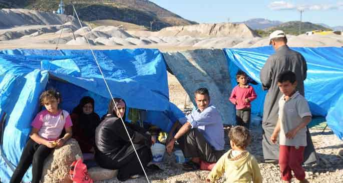 Çadır kente alınmayan mülteciler perişan