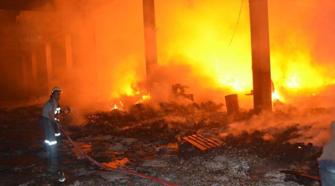 Çankırı\'da tuz fabrikasında yangın