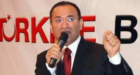AKP topu taca attı