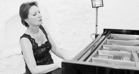 'Muhteşem Mûza' Liszt yorumlarıyla etkiledi