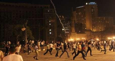 Tahrir Meydanı'nda halka sert saldırı