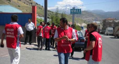 Gül'le görüşmek isteyen işçiler gözaltında