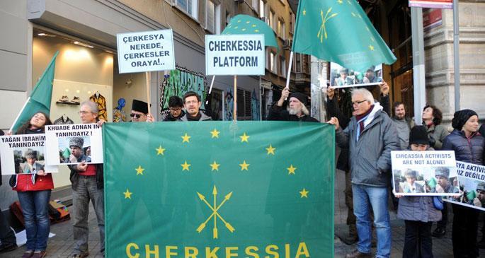 Çerkesler Soçi Olimpiyatını protesto etti