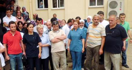Rize'de doktora sopalı saldırı