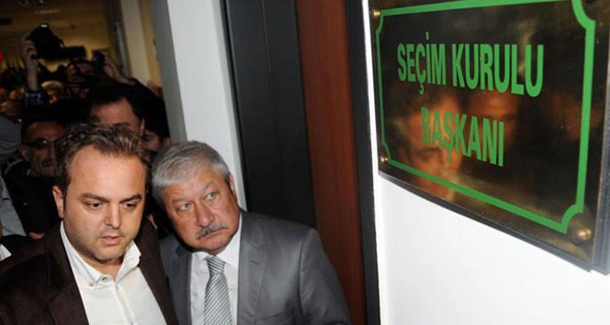 CHP Antalya'da tüm oyların yeniden sayılması için itiraz etti