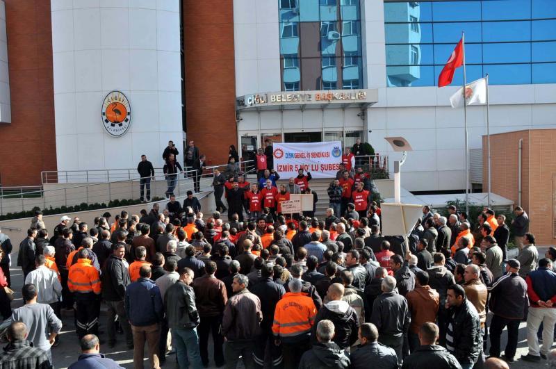 Çiğli Belediyesi işçileri iş bıraktı