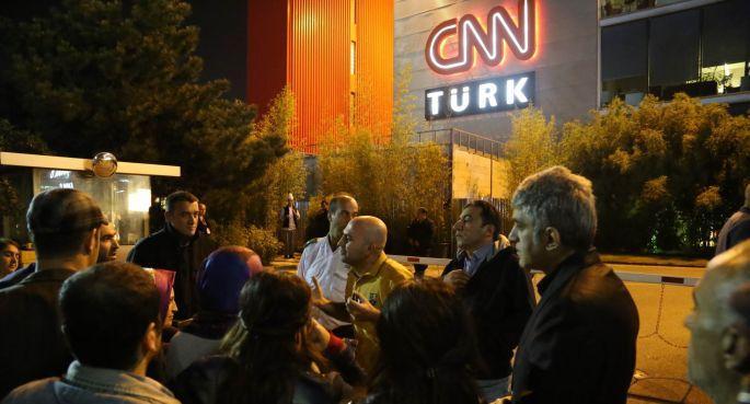 CNN Türk binası önünde Kobanê protestosu