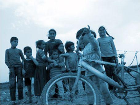Çatlamış Toprağın Çocukları
