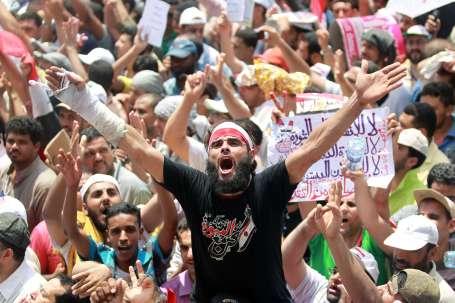 Mısırlılar sivil yönetim istedi