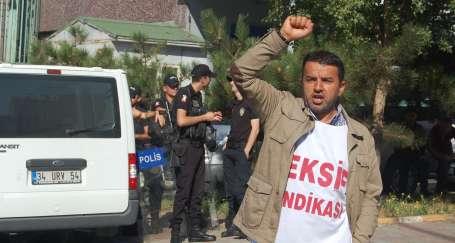 Teksim işçilerine polis barikatı