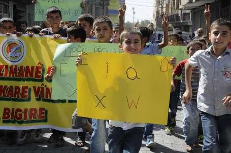 Bölge'de okullar boykotla açıldı