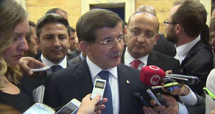 Davutoğlu'ndan Kobanê'ye destek için tezkere şartı