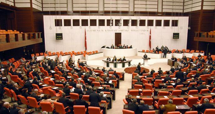 \'Demokratikleşme Paketi\'nde yer alan 17 madde Meclis'te