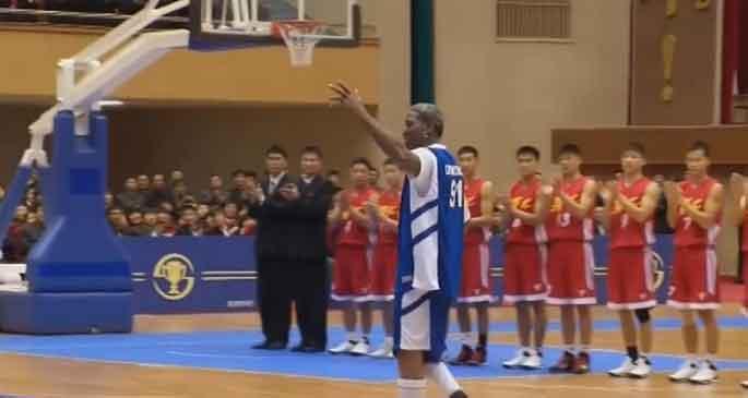 Dennis Rodman\'dan Kim Jong-un\'a \'İyi ki doğdun\'