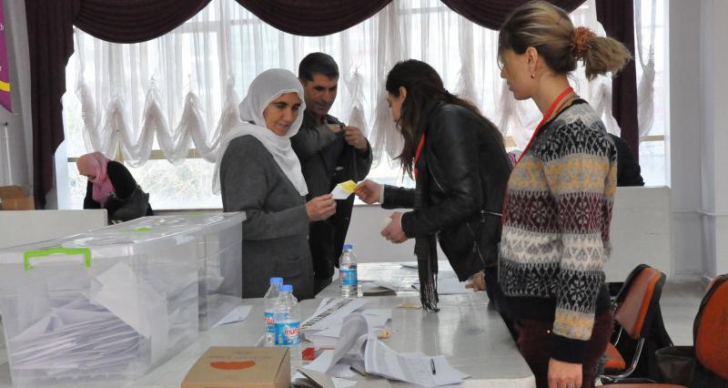 Diyarbakır belediye başkan adaylığına Gültan Kışanak seçildi