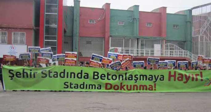 Diyarbakır stadyumu yıkılıyor, esnaf çaresiz