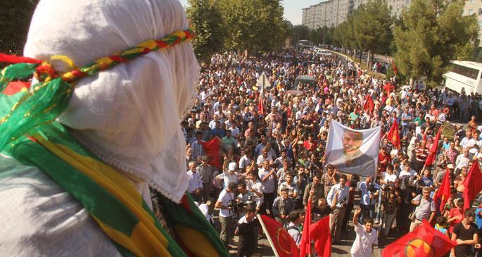 Diyarbakırlılar Kobanêliler ile bir olmak üzere yola çıktı