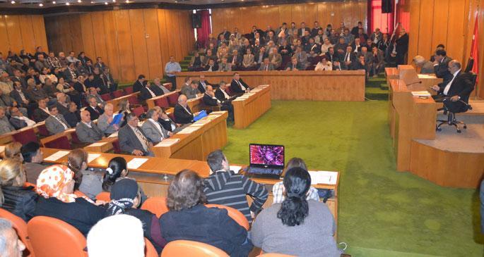 Dönüşüm mağdurları belediye meclis toplantısına katıldı