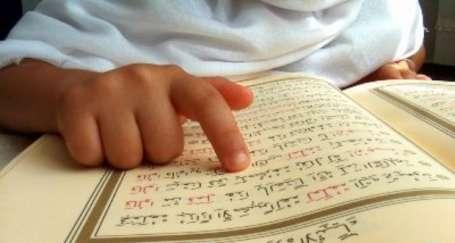'Dindar ve kindar nesil' müfredatı