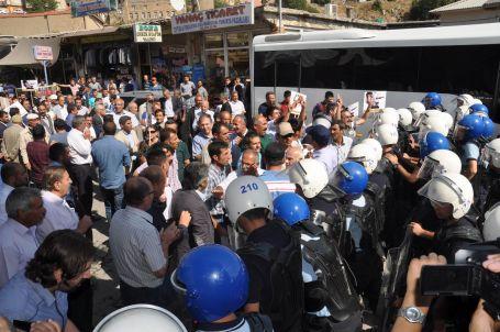 Bitlis'teki anadil yürüyüşüne polis müdahalesi