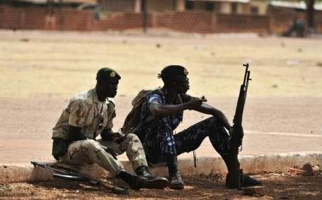 Mali'nin kuzeyi işgal edildi