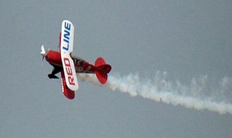 Adana'da gösteri uçağı düştü, ünlü gökyüzü fotoğrafcısı yaşamını yitirdi