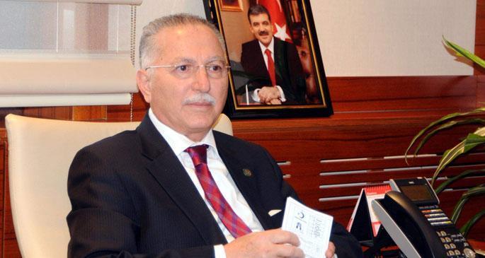 Ekmeleddin İhsanoğlu, Türkeş\
