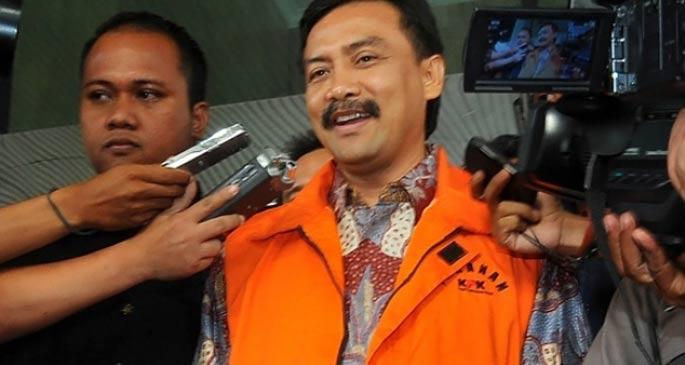 Endonezya\'da eski bakan yolsuzluktan suçlu bulundu