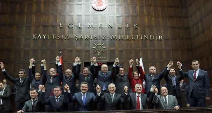 Erdoğan adaylarını açıkladı; Ankara adayı Melih Gökçek