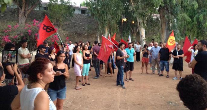 Erdoğan Kıbrıs ziyareti öncesi Lefkoşa'da protesto edildi