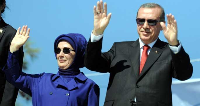 Erdoğan, \'Kobani de düşüyor\' diyerek Kürtlere yüklendi