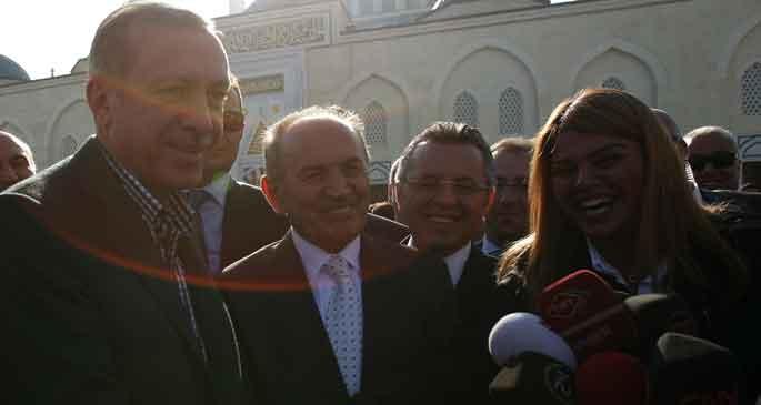 Muhabir, Erdoğan\'dan bayram harçlığı istedi, Erdoğan da verdi!