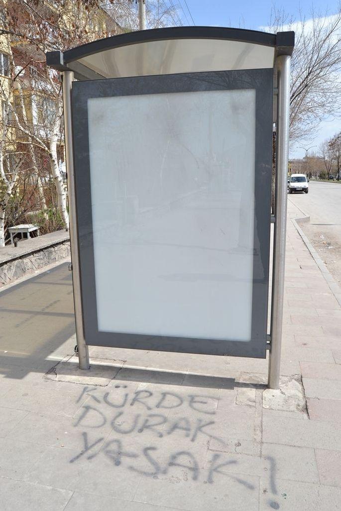 Erzurum'da Kürde durak yasak!
