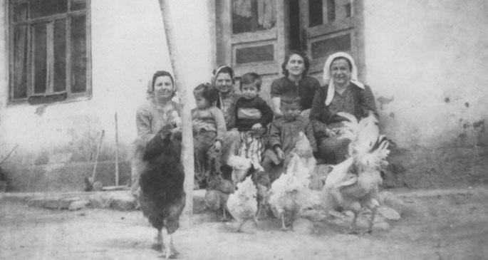 Eski Evin Kadınları