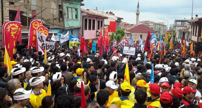 Eskişehir'de 2 ayrı 1 Mayıs