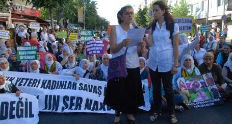 Kadınlar: Erdoğan savaş değil barış toplantıları yapsın
