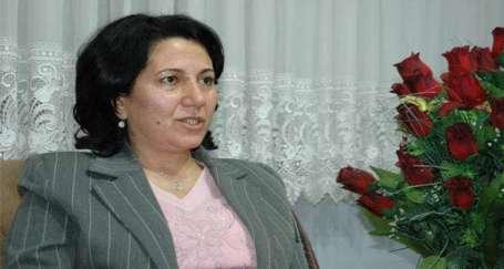 İçişleri Bakanı BDP'li iki belediye başkanını daha görevden aldı