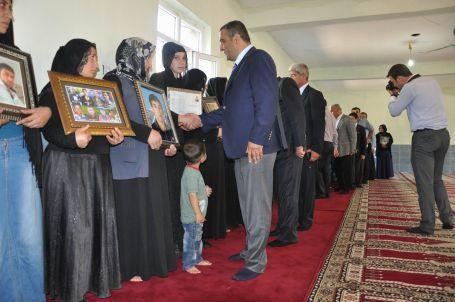 CHP Heyeti Roboskili aileleri ziyaret etti