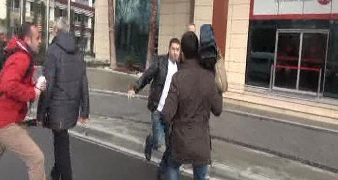 Fatih Belediyesi'nde habercilere saldırı