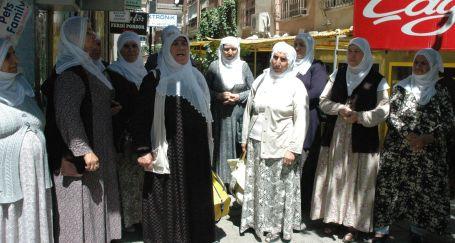 Anneler barış için yolda