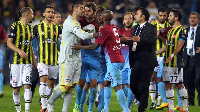 Fener-Trabzon maçına olaylar damga vurdu