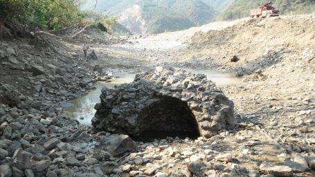 Nehirden bin 400 yıllık kale kalıntısı çıktı