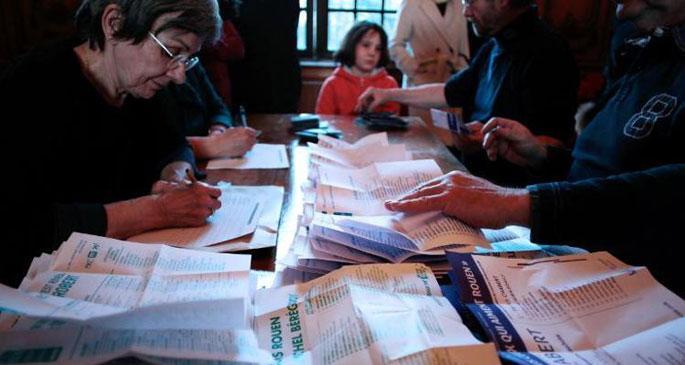 Fransa\'da Sosyalist Parti'nin yerel seçim hezimeti