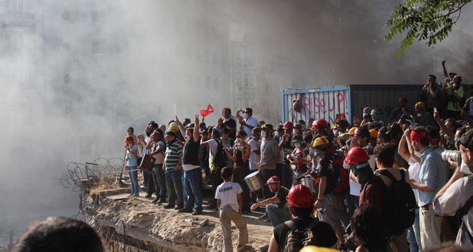 Gezi eylemleri nedeniyle 17 kişi sınır dışı edildi