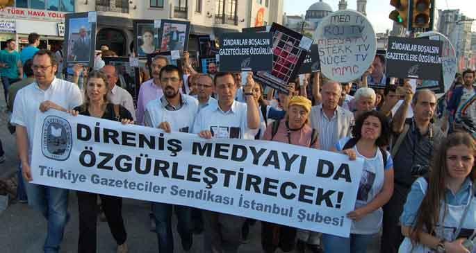 Gezi eylemleri sırasında kaç gazeteci işten çıkarıldı?