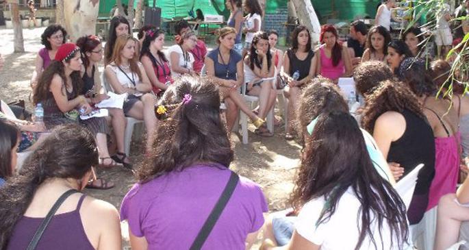 Gezi'den kampa kadınlar dayanışmaya