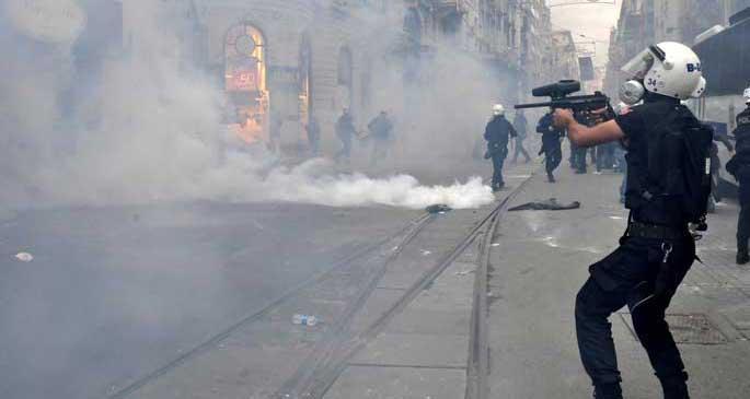 Gezi'nin yıl dönümündeki polis şiddeti dünya basınında